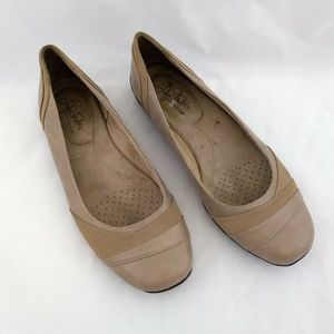 Lifestride 9M Beige Loafers Ballet Flats Faux Leat